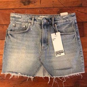 NWT Zara Distressed Denim Skirt